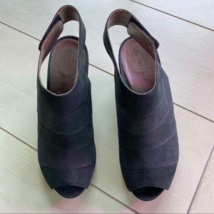Earthies Manza black suede open toe wedge